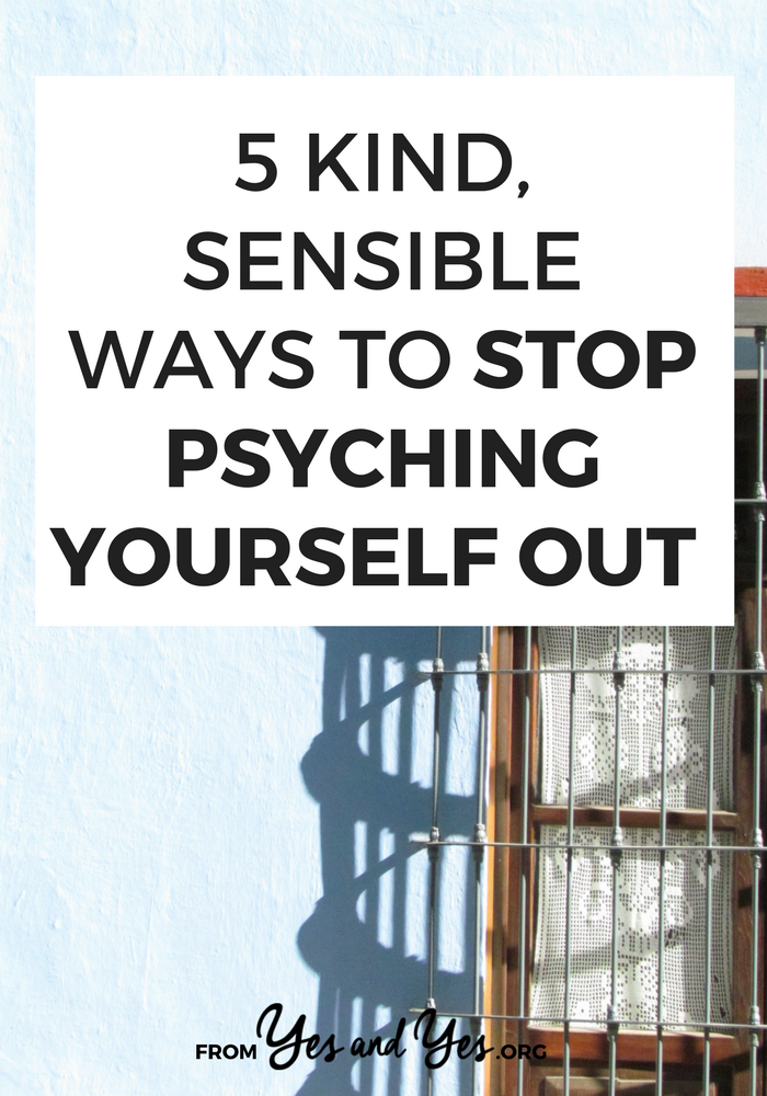 Do you want to stop psyching yourself out? Stop procrastinating and freaking out over deadlines/projects/pitches/finals week? Click through for 5 tips that will help you right now!