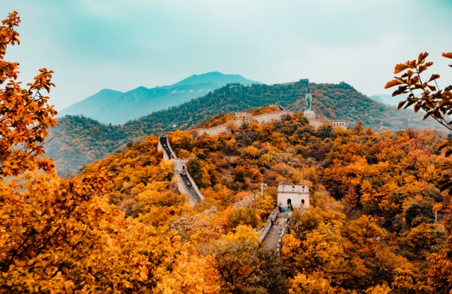 Looking for a travel guide to Beijing? Click through for from-a-local Beijing travel tips about where to go, what to do, what to eat, and how to do it all cheaply!