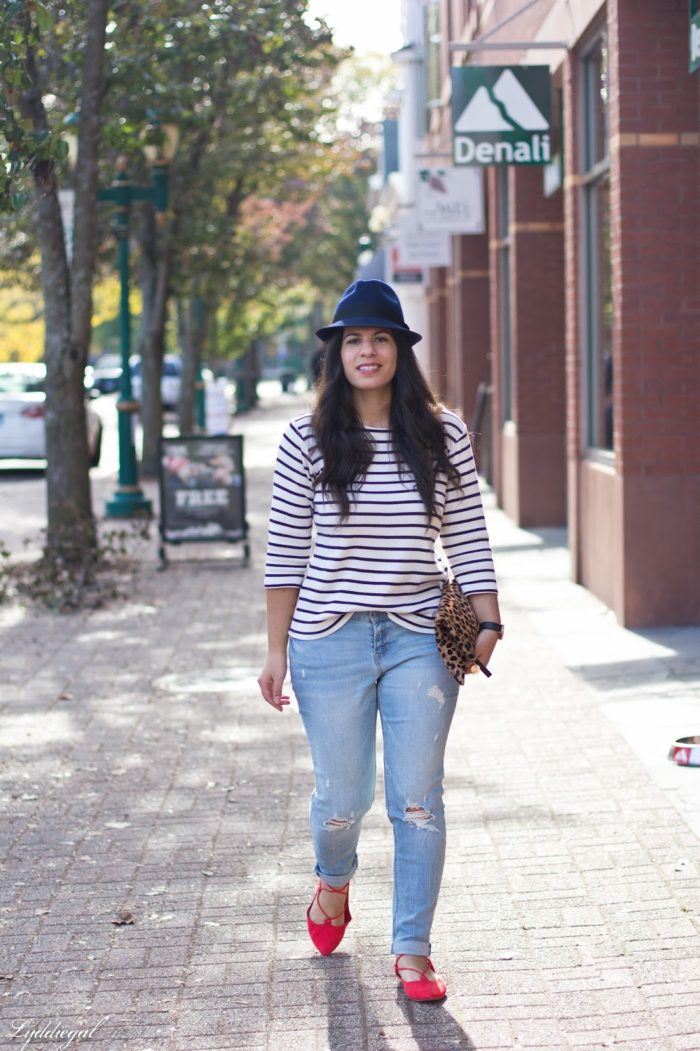 Stripes and a leopard clutch and red flats + style tips from your favorite Latina style blogger!