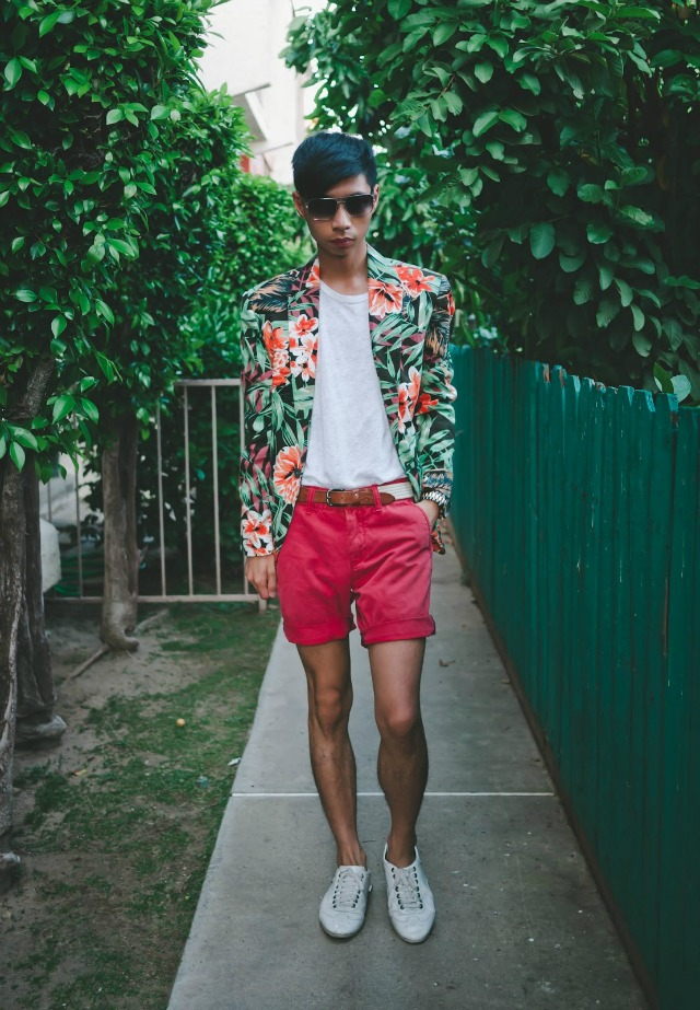 A floral blazer and pink shorts + style tips from your favorite male fashion blogger!