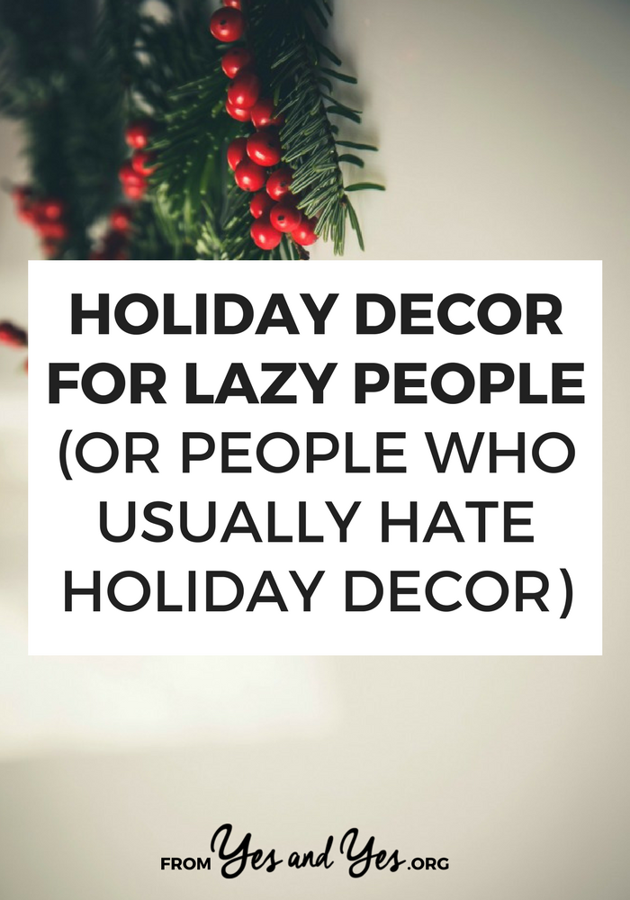 Looking for lazy holiday decor ideas? Or maybe you want easy Christmas decorations? Me, too! Click through for Christmas decoration ideas that are cheap, easy, and use things you have around the house!