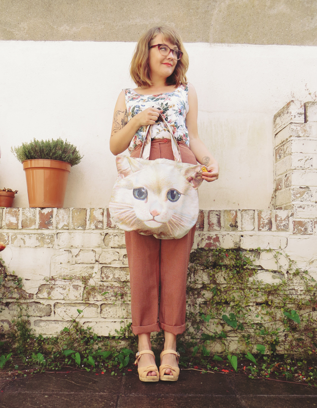 Floral top and cat purse  + style tips from your favorite British fashion blogger!