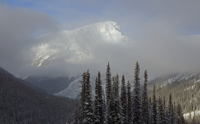 Mini Travel Guide: Canadian Rockies // yesandyes.org