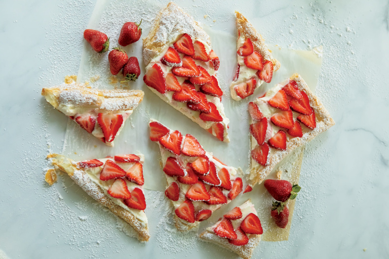 Looking for farm to table recipes? This strawberry puff pastry is an easy dessert recipe that will use up some of those strawberries from your garden!